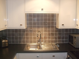 Kitchen Fitting Tiling